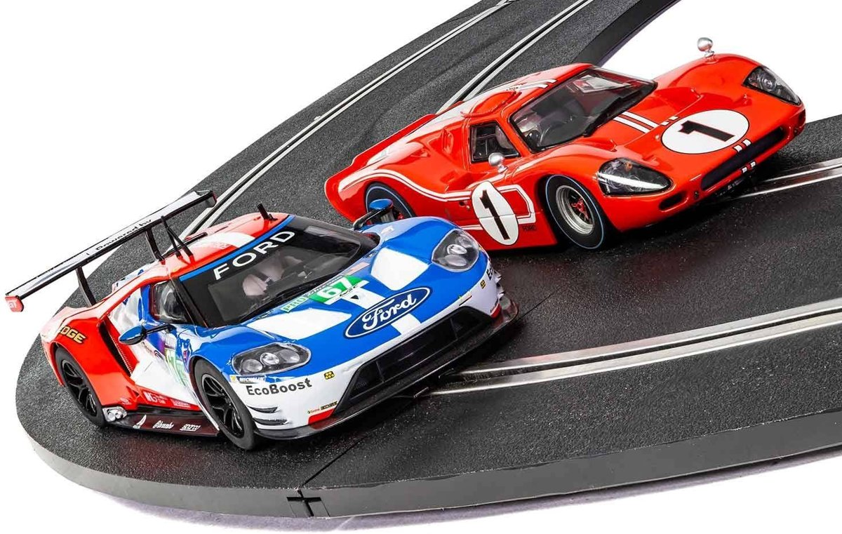 - 50 Years Of Ford At Le Mans [new Tooling 2018] L.d. (Sc3893a)